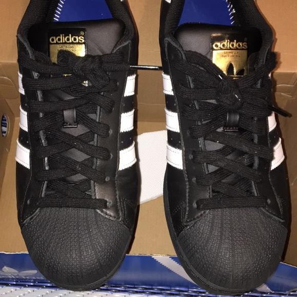 Adidas zapatos hombre  negro Shell Toe poshmark